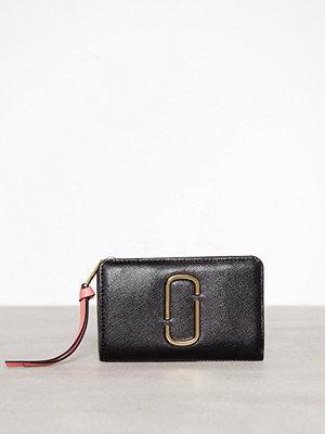 Plånböcker - Marc Jacobs Compact Wallet Black Rose