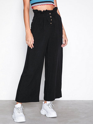 Topshop svarta byxor Cropped Button Up Trousers Black