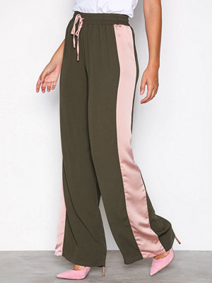 Glamorous omönstrade byxor Side Stripe Trousers Khaki
