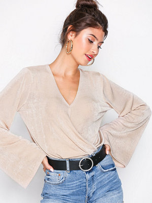 NLY Trend Glamorous Wrap Top Champagne
