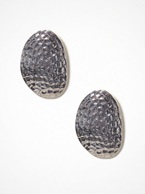 NLY Accessories örhängen Hammered Big Stud Earring Silver