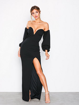 NLY Eve Heart Shaped Neckline Gown Svart