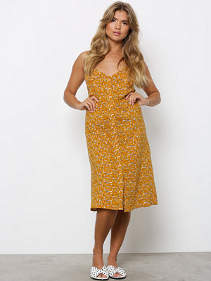 NLY Trend Button Strap Dress Gul Mönstrad