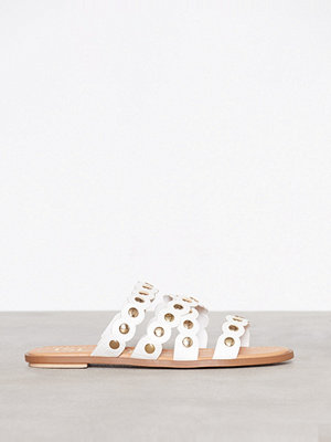 River Island Scallop Studded Sandal White