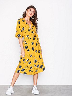MOSS Copenhagen Gudrun Dress Aop Flowers