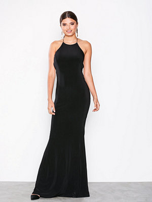 NLY Eve Ruched Back Tail Gown Svart