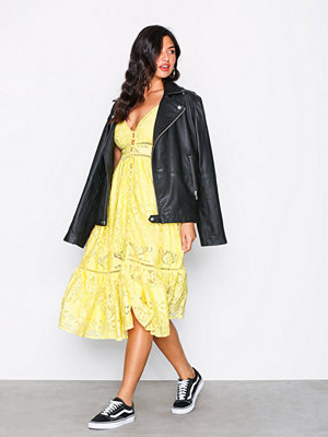 Kiss The Sky Buttercup Midi Dress Yellow