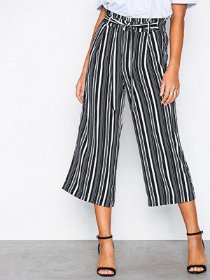 New Look svarta randiga byxor Tie Waist Cropped Wide Leg Trousers Black