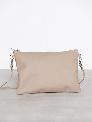 Dagmar omönstrad kuvertväska Leather Strap Bag Stone