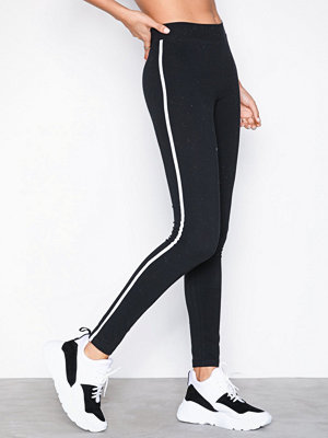 NLY Trend Striped Leggings Svart