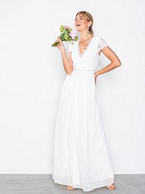Festklänningar - NLY Eve Cap Sleeve Wrap Gown Vit