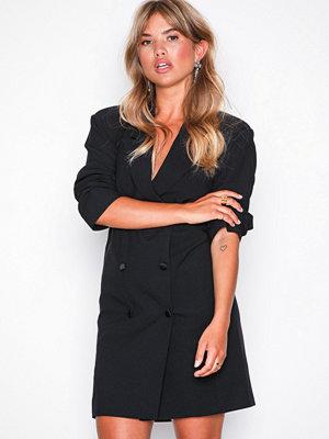 Missguided Crepe Belted Button Blazer Dress Black
