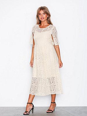 Festklänningar - Vila Vilissi 2/4 Midi Dress
