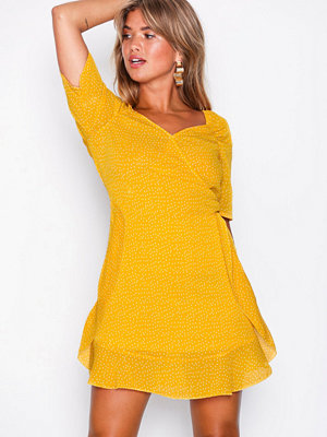 Missguided Chiffon Polka Dot Mini Dress Yellow