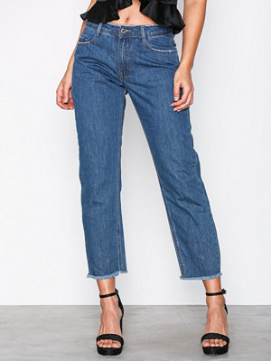 Missguided Mid Rise Clean Cut Hem Jeans