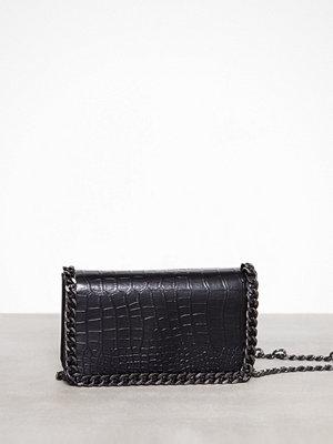 Missguided svart mönstrad axelväska Chain Trim Croc Cross Bod Black