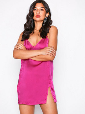 Motel Batista Satin Dress Fuchsia