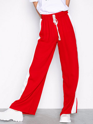 Glamorous röda byxor Side Stripe Trousers Red