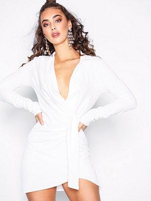 NLY One Oversize Plunge Dress Vit