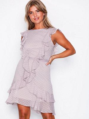 Festklänningar - NLY Trend Flirty Dress Greige