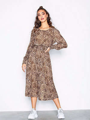 Sisters Point Ezora Dress Leopard