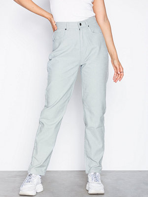 NLY Trend omönstrade byxor Corduroy Mom Pants