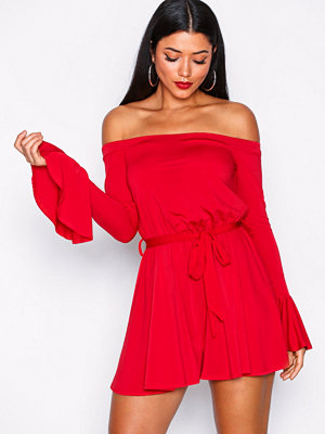 NLY One Off Shoulder Playsuit Röd
