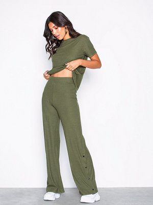 Jumpsuits & playsuits - NLY Trend Rib Button Pant Set Grön