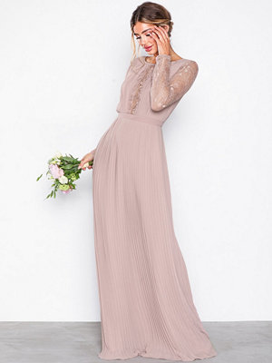NLY Eve Lace Insert Gown