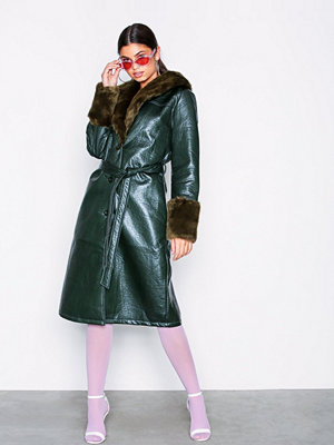 NLY Trend Patent Fur Coat