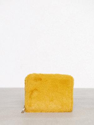 New Look Faux Fur Cardholder Mustard