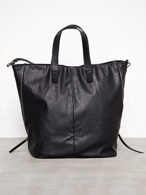 Handväskor - Pieces Pcmonleon Bag Svart