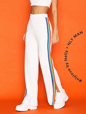 NLY Trend vita byxor Rainbow Stripe Pants Vit