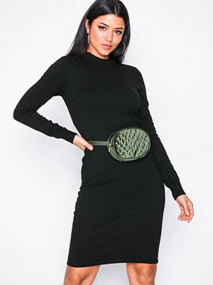 Noisy May Nmcirus L/S Funnel Neck Knit Dress Svart