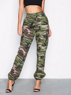 NLY Trend mönstrade byxor Cargo Pants Camo