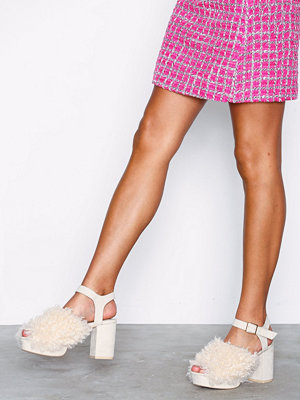 NLY Shoes Fuzzy Platform Sandal
