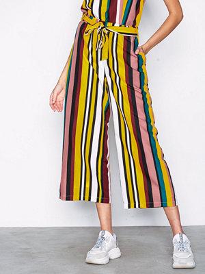 Sisters Point mönstrade byxor Bina Pants Stripes