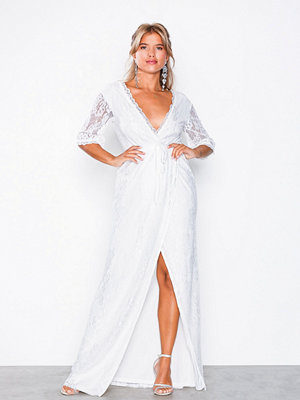 NLY Eve Forever Lace Wrap Gown Vit