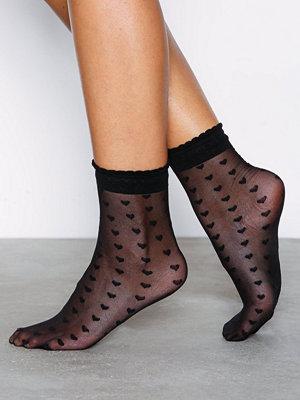 NLY Lingerie Sheer Heart Ankle Socks Svart