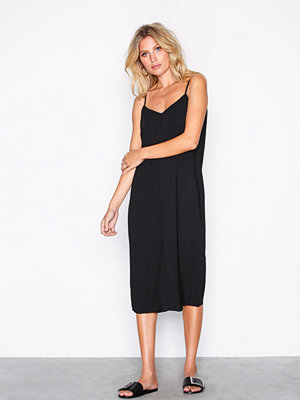 New Look V-Neck Midi Slip Dress Black