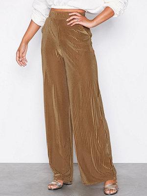 NLY Trend randiga byxor Ribbed Velvet Wide Pants Brun