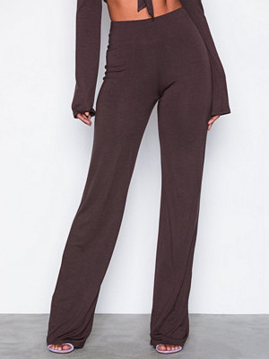 NLY One omönstrade byxor Basic Wide Pant Brun