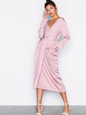 NLY Trend Amazing Satin Dress Rosa