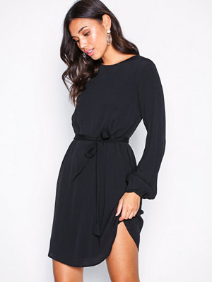 NLY Trend Perfect Belted Dress
