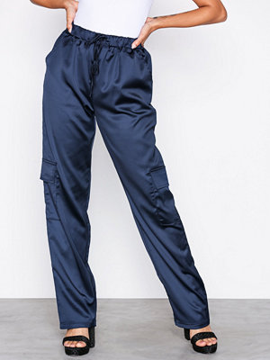 Missguided marinblå byxor Satin Utility Trousers Navy
