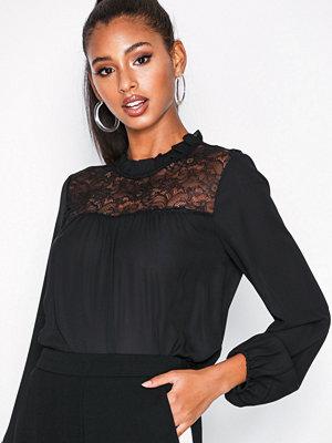 Jacqueline de Yong Jdyfiona L/S Lace Top Wvn Svart
