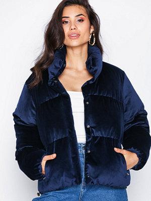 NLY Trend Velvet Puffer Jacket Navy