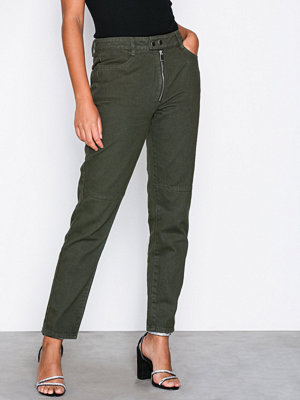 Missguided Riot Tab Front Mom Jean