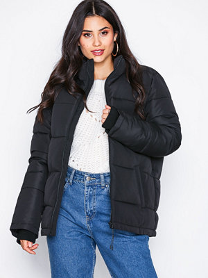 NLY Trend Sporty Puffer Jacket Svart