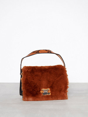 River Island brun axelväska Fur Crossbody Bag Tan